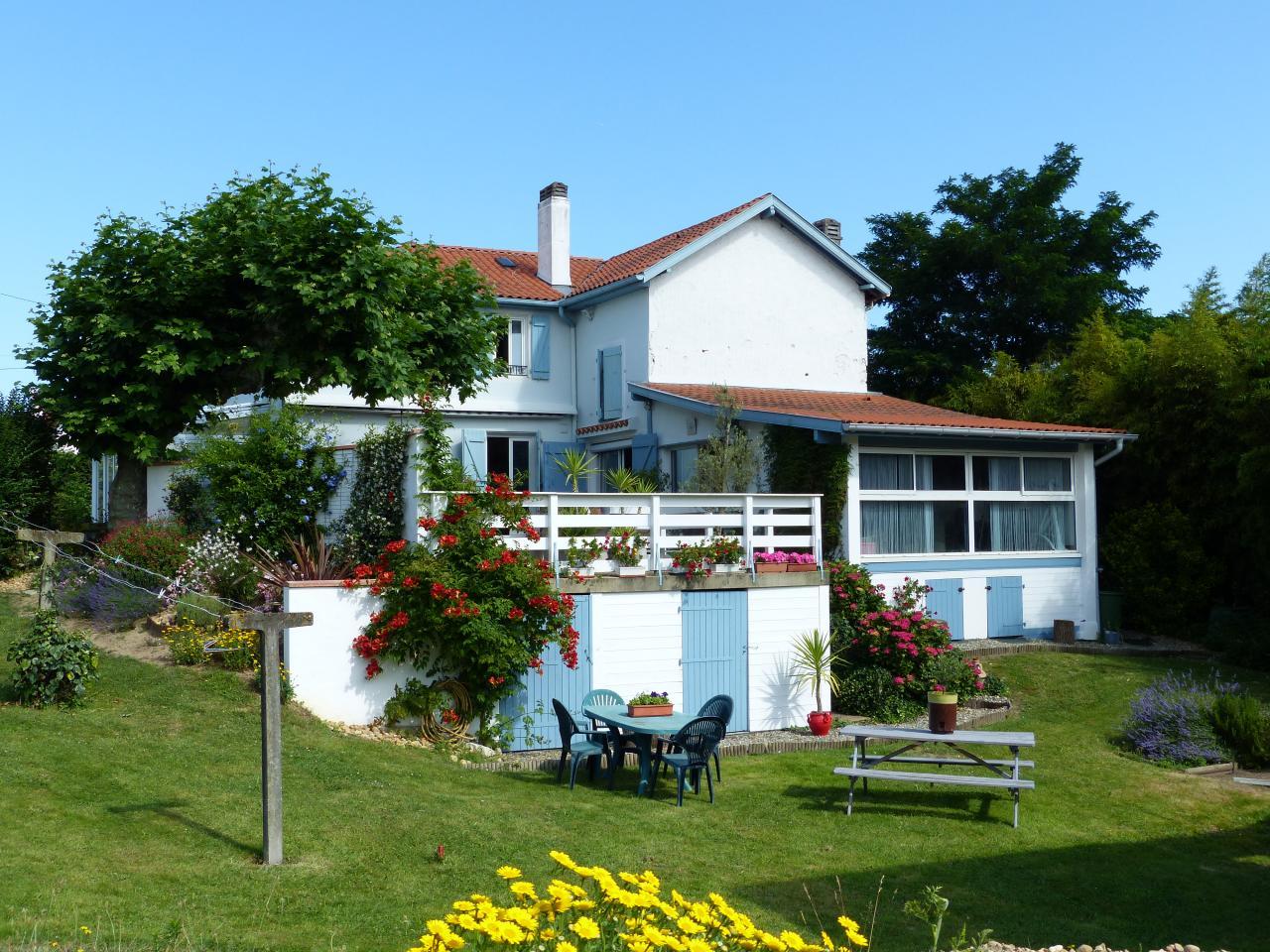 a anglet pr s de biarritz grande maison pour vacances agr ables en c te basque jusqu 39 10. Black Bedroom Furniture Sets. Home Design Ideas
