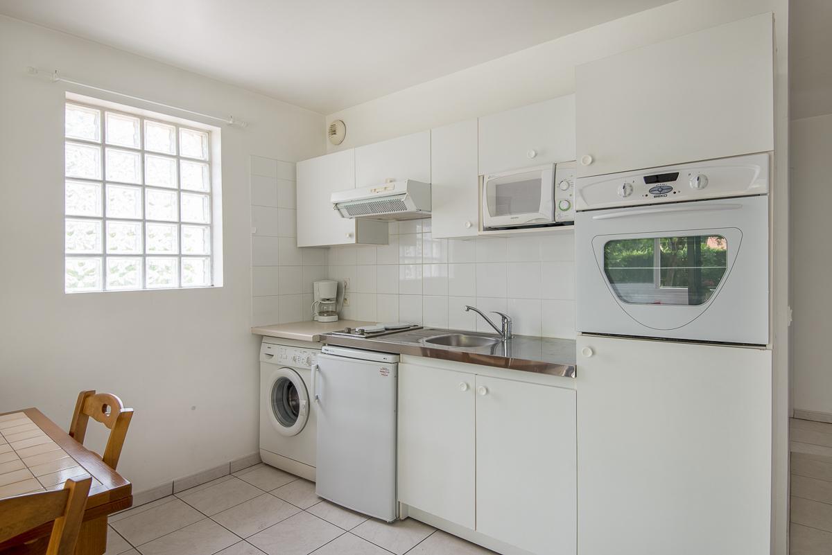 t2 dans maison pour 2 personnes anglet anglet location pays basque 64. Black Bedroom Furniture Sets. Home Design Ideas