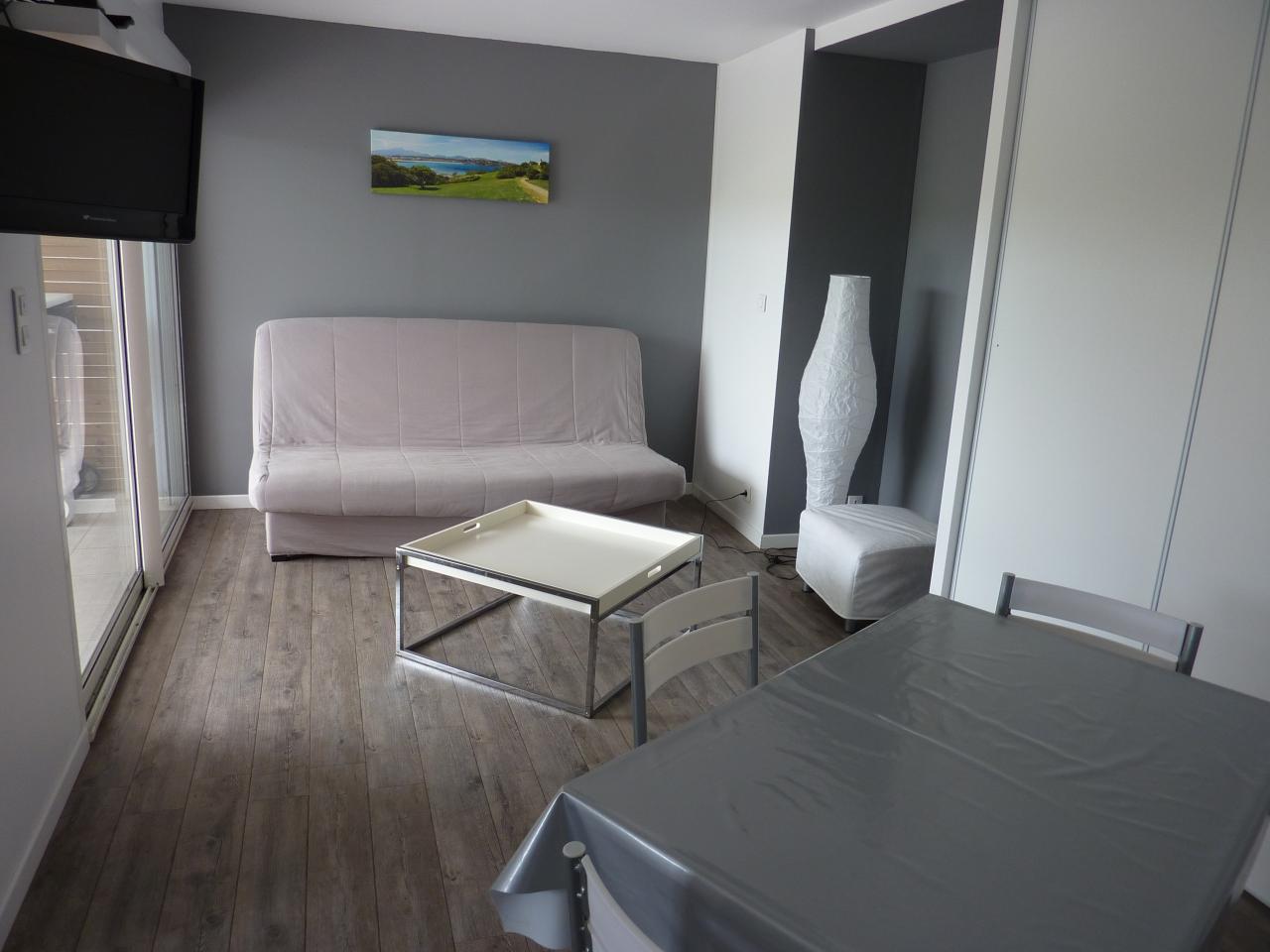 Appartement dans maison pour 4 personnes aux portes de for Appartement maison