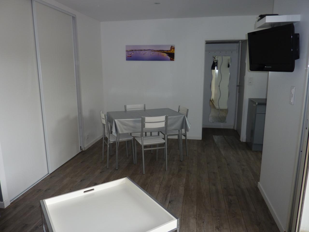 Appartement dans maison pour 4 personnes aux portes de for Appartement dans maison