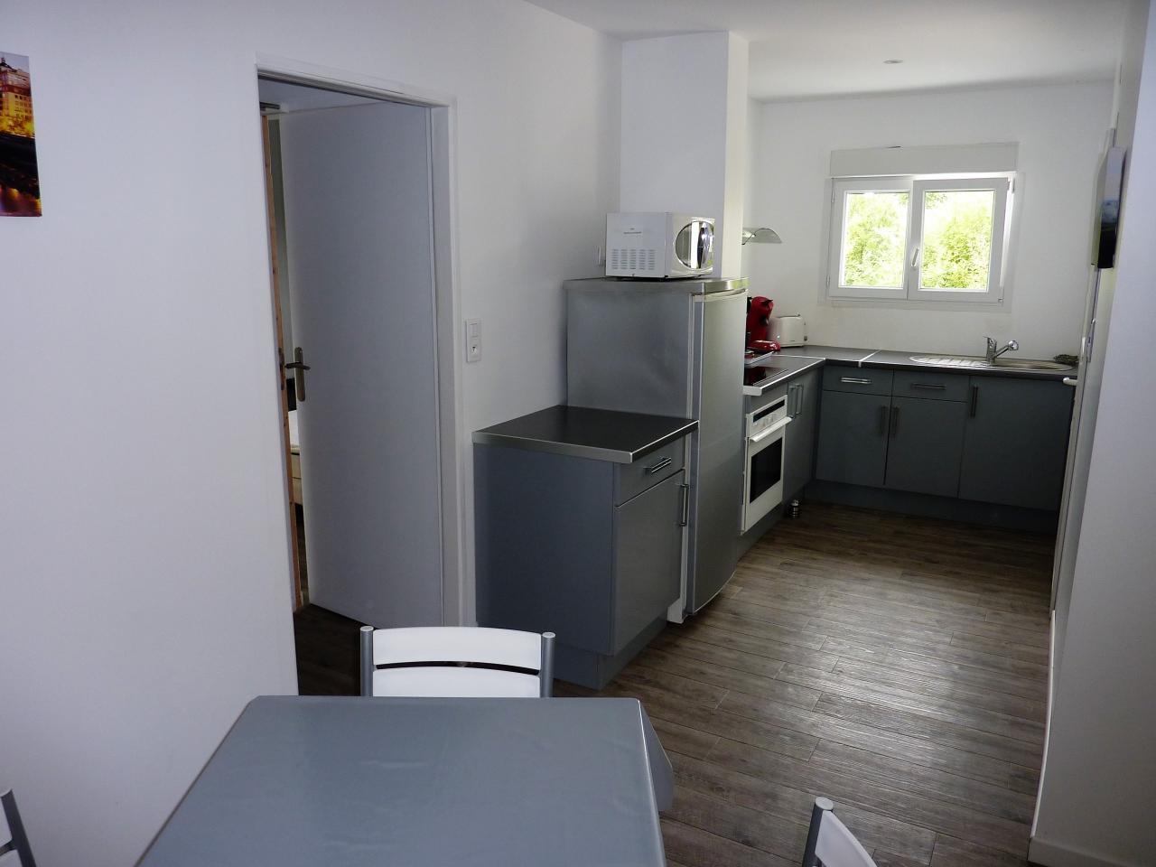 Appartement dans maison pour 4 personnes aux portes de for Appartement maison fr