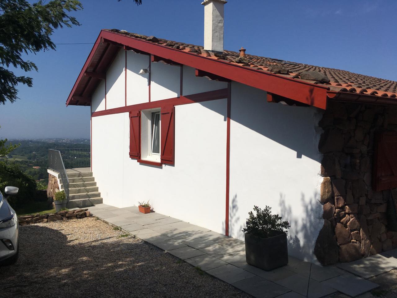Maison pour 10 personnes ascain avec vue mer et piscine for Location villa piscine pays basque
