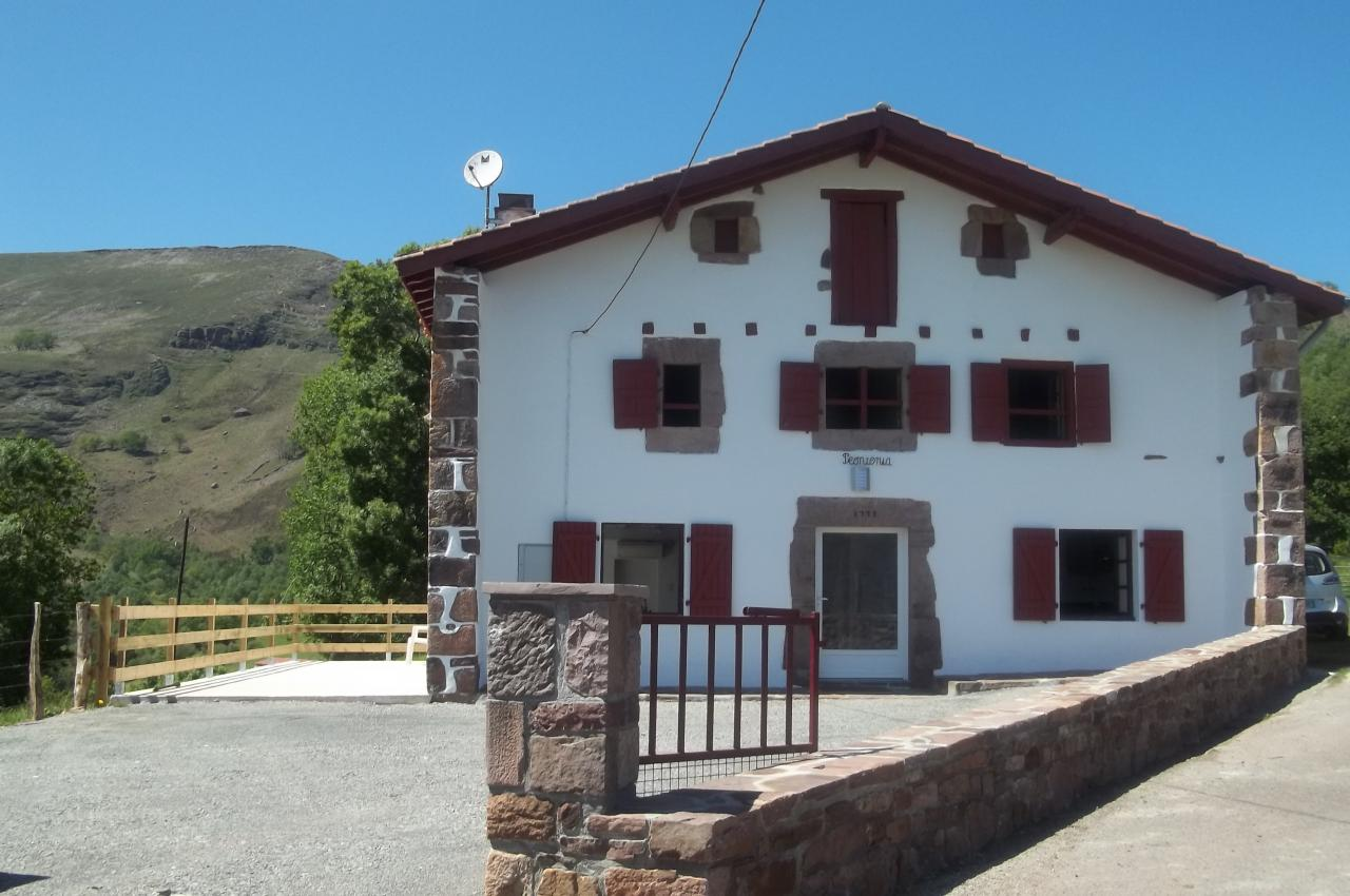 Pays basque maison de vacances au calme bidarray for Location maison de vacances