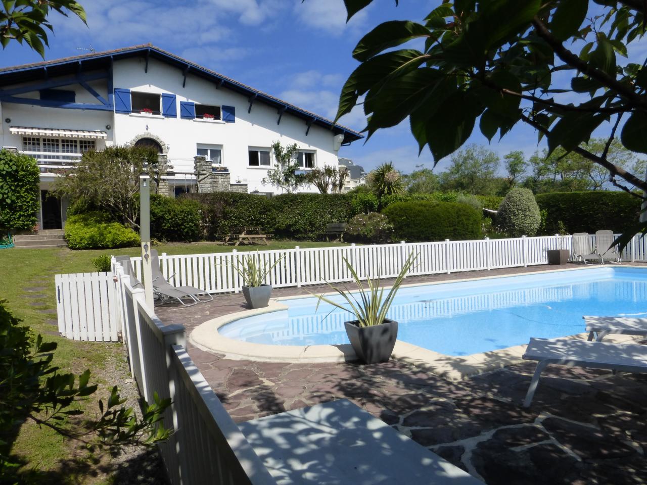 location maison avec piscine pour 4 personnes