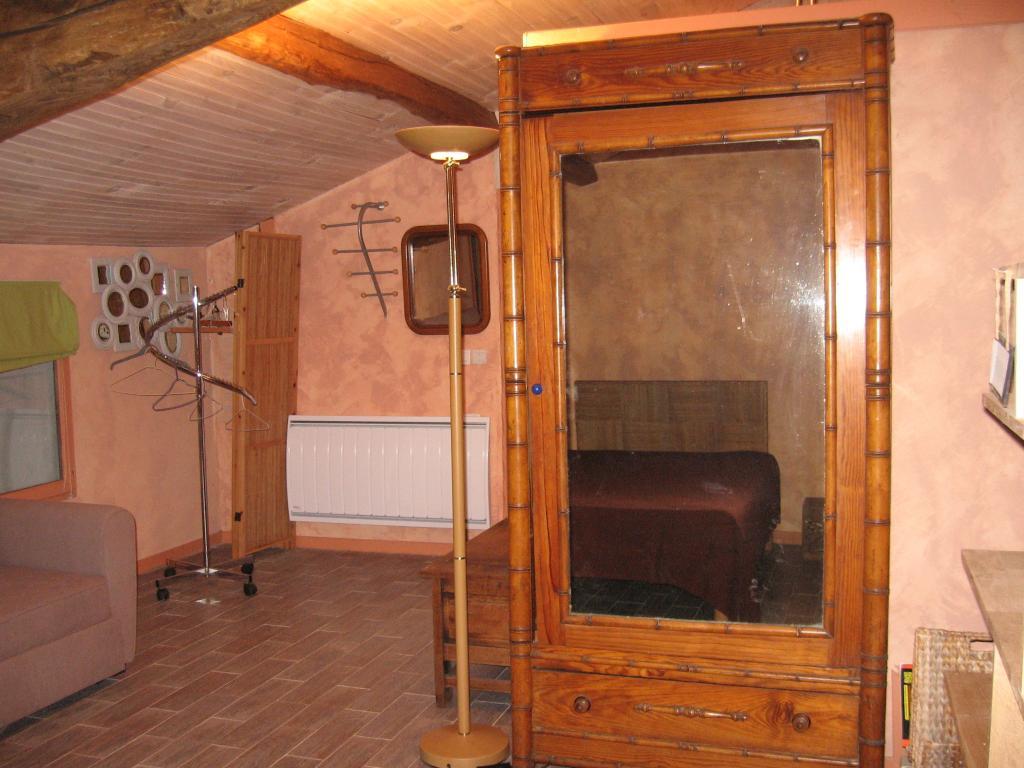 appartement dans maison pour 4 personnes briscous avec piscine briscous location pays. Black Bedroom Furniture Sets. Home Design Ideas