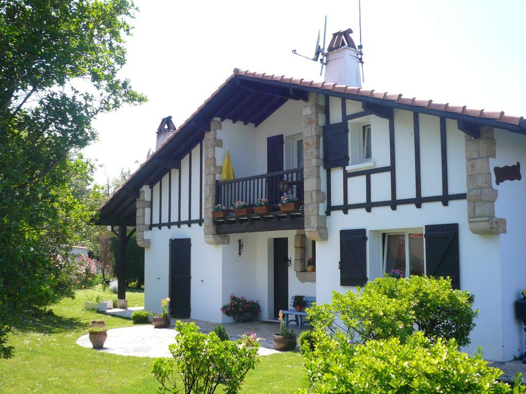 appartement dans maison pour 4personnes ciboure ciboure location pays basque 64. Black Bedroom Furniture Sets. Home Design Ideas