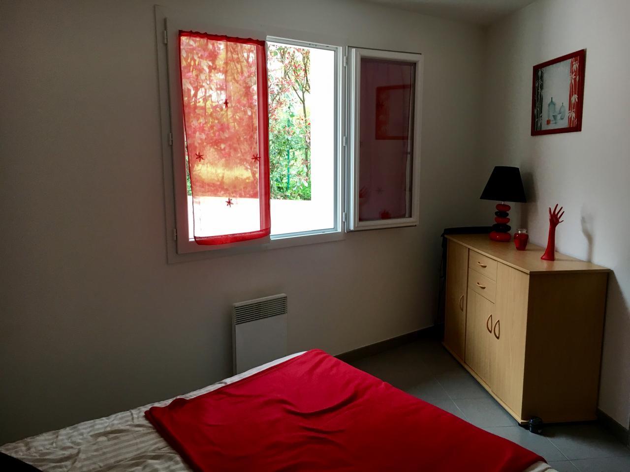 coquette maison basque neuve class e 4 toiles meubl s de tourisme ciboure location pays. Black Bedroom Furniture Sets. Home Design Ideas