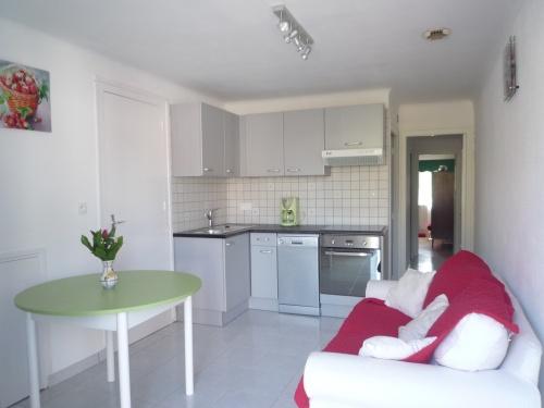 Appartement dans maison pour 4 personnes hendaye for Location appartement dans maison