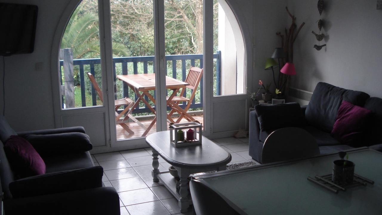 appartement dans r sidence pour 4 personnes hendaye proximit du front de mer hendaye. Black Bedroom Furniture Sets. Home Design Ideas