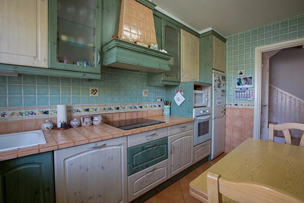 maison hendaye hendaye location pays basque 64. Black Bedroom Furniture Sets. Home Design Ideas
