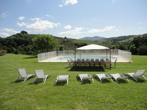 Maison pour 10 18 personnes la bastide clairence avec for Location villa pays basque avec piscine