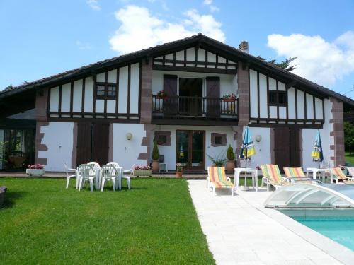 maison pour 12 personnes osses avec piscine et vue