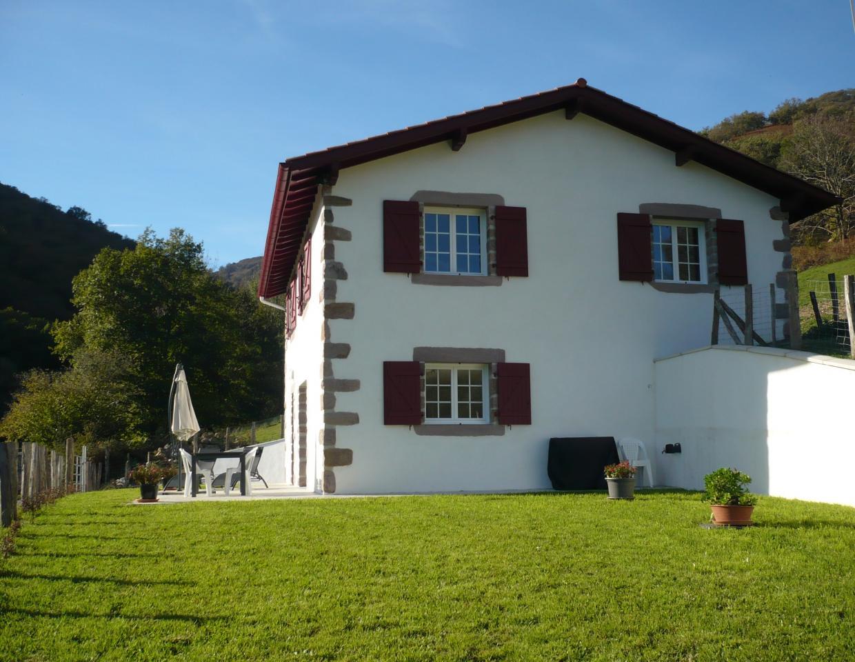 Maison 4 saint etienne de baigorry saint etienne de baigorry location pays basque 64 - Location garage saint etienne ...