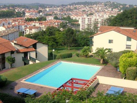 Appartement 3 avec piscine dans r sidence saint jean de for Camping st jean de luz avec piscine