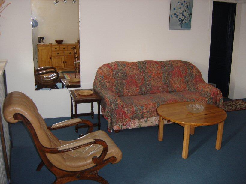 appartement dans maison pour 2personnes saint jean de. Black Bedroom Furniture Sets. Home Design Ideas