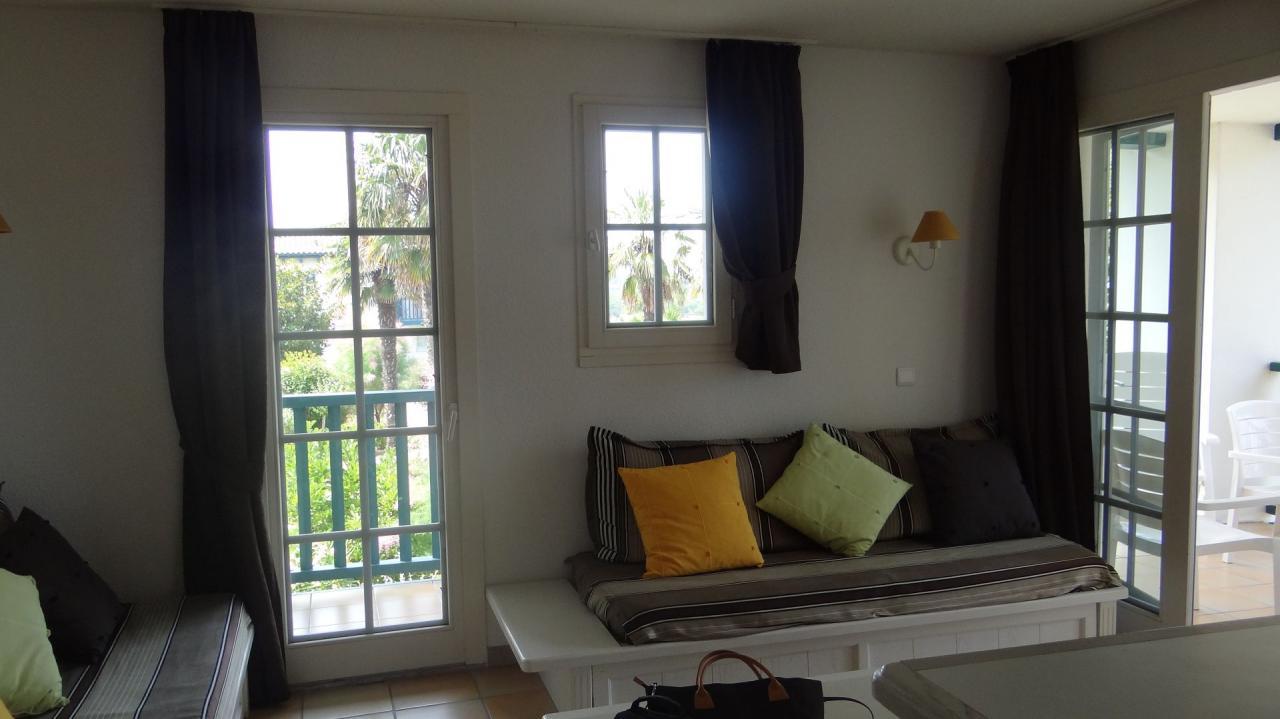 appartement dans r sidence pour 7 personnes avec piscine saint jean de luz location pays. Black Bedroom Furniture Sets. Home Design Ideas