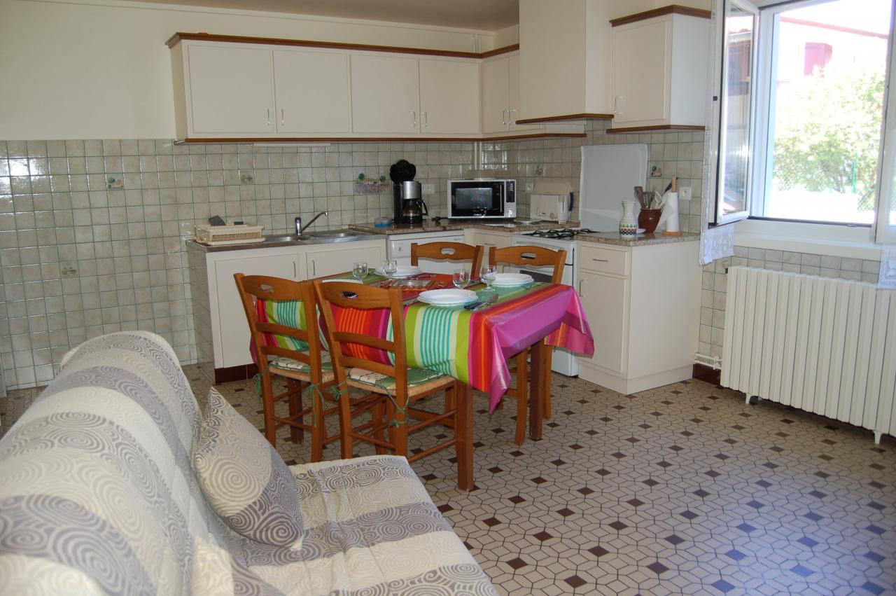 Appartement dans maison saint jean le vieux saint jean for Appartement dans maison
