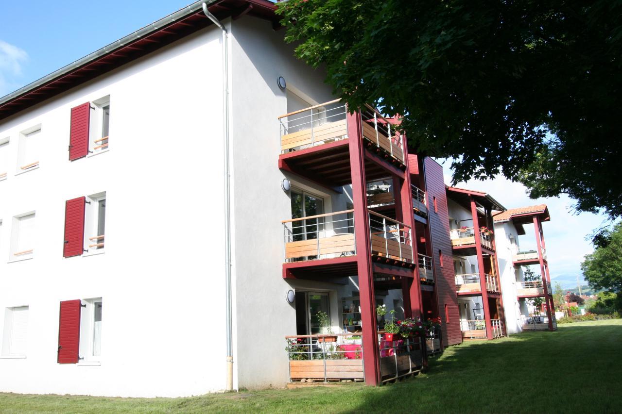 Superbe appartement t3 saint jean pied de port saint - Location vacances st jean pied de port ...