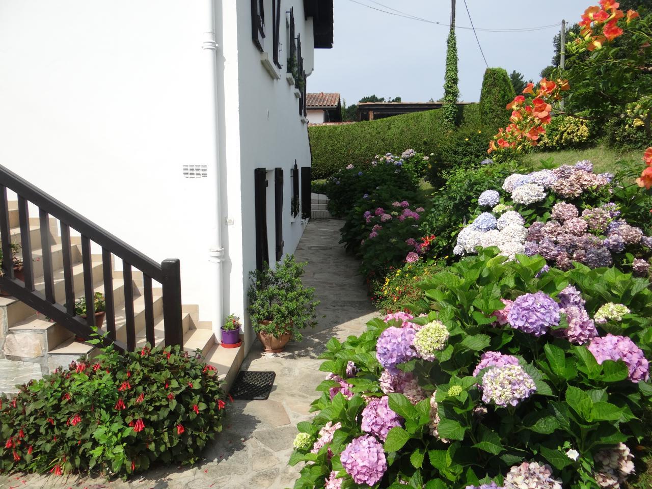 Appartement dans villa pour 5 personnes pr s de hendaye for Dans hongroise n 5