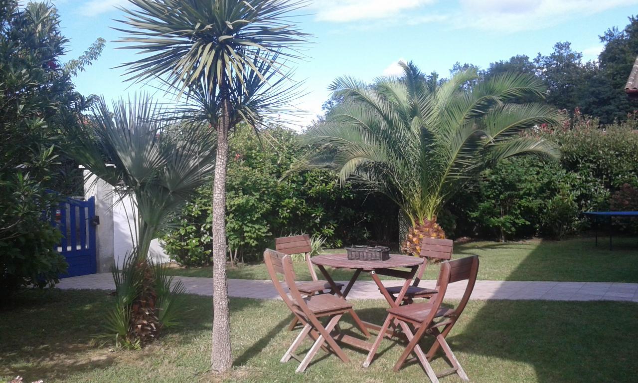 Belle maison de plein pied avec piscine pour 6 personnes for Location villa pays basque avec piscine