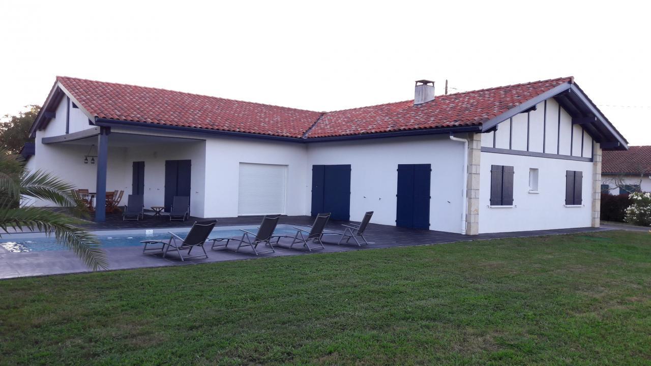 Location pays basque avec piscine nouveaux mod les de maison for Modele maison avec piscine