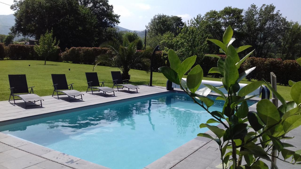 Maison avec piscine pour 6 personnes urrugne avec vue for Location villa pays basque avec piscine